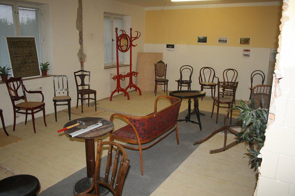 Z plicního sanatoria je muzeum nábytku
