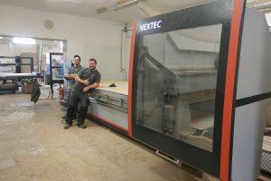 CNC obrábění bez programování? Váš vstup do moderní výroby nábytku nemůže být jednodušší!