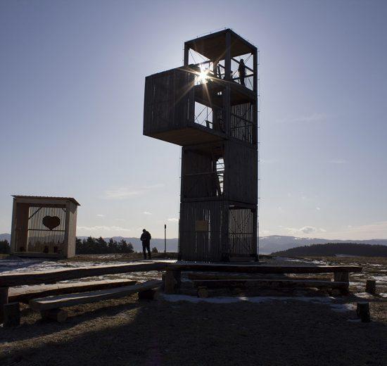 Drevené objekty zvýrazňujú tradície Spišského Hrhova