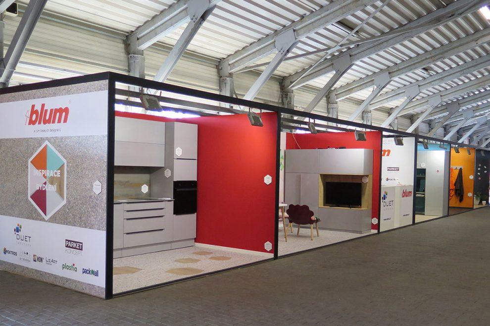 Speciální expozice INSPIRACE PRO BYDLENÍ umístěná ve vstupní hale letňanského výstaviště v Praze